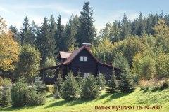 Domek-Mysliwski-K.L.-GLUSZEC-w-Lwowku-Sl